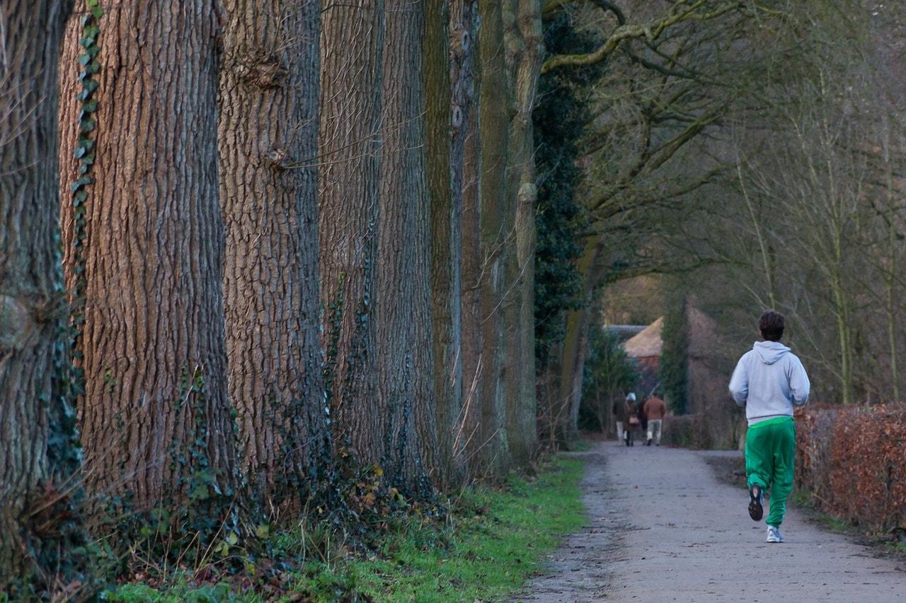 Im Winter laufen nicht zu warm Anziehen Jogger Ausrüstung